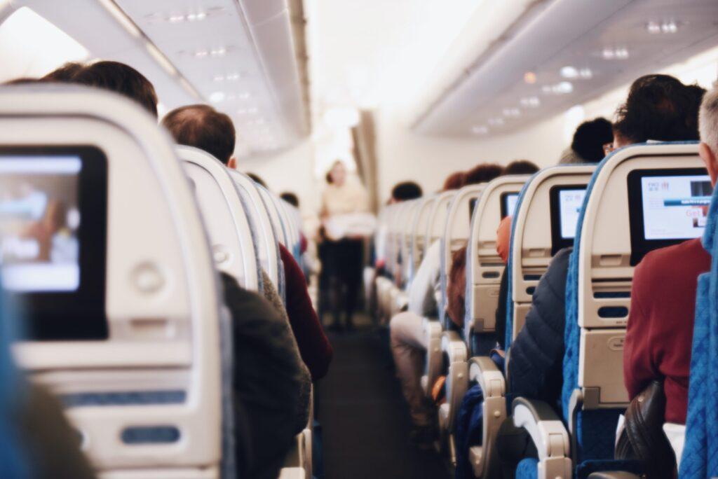 viajá en avión y sumate al grupo en el destino